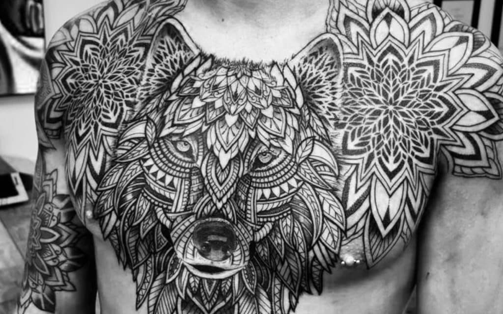 tatouage homme ornemental
